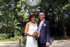 gelukkig-paar-huwelijk-op-locatie-tea-time