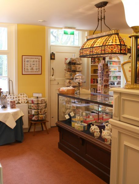Tea Time Treasures souvenier winkel
